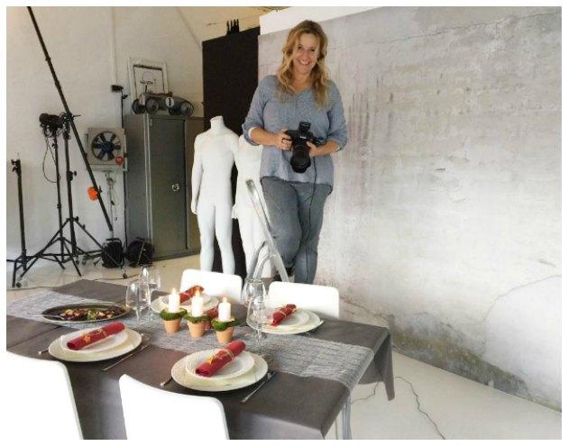 fotograf-birthe-vembye-fotograferer-borddekoration-lavet-af-stylist-tina-dalboege