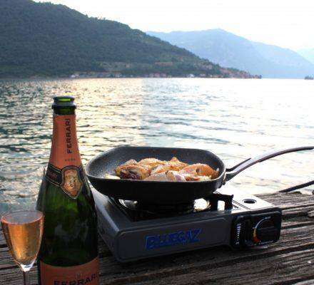 "øen i søen ved ""Lago d´iseo"" i Italien."
