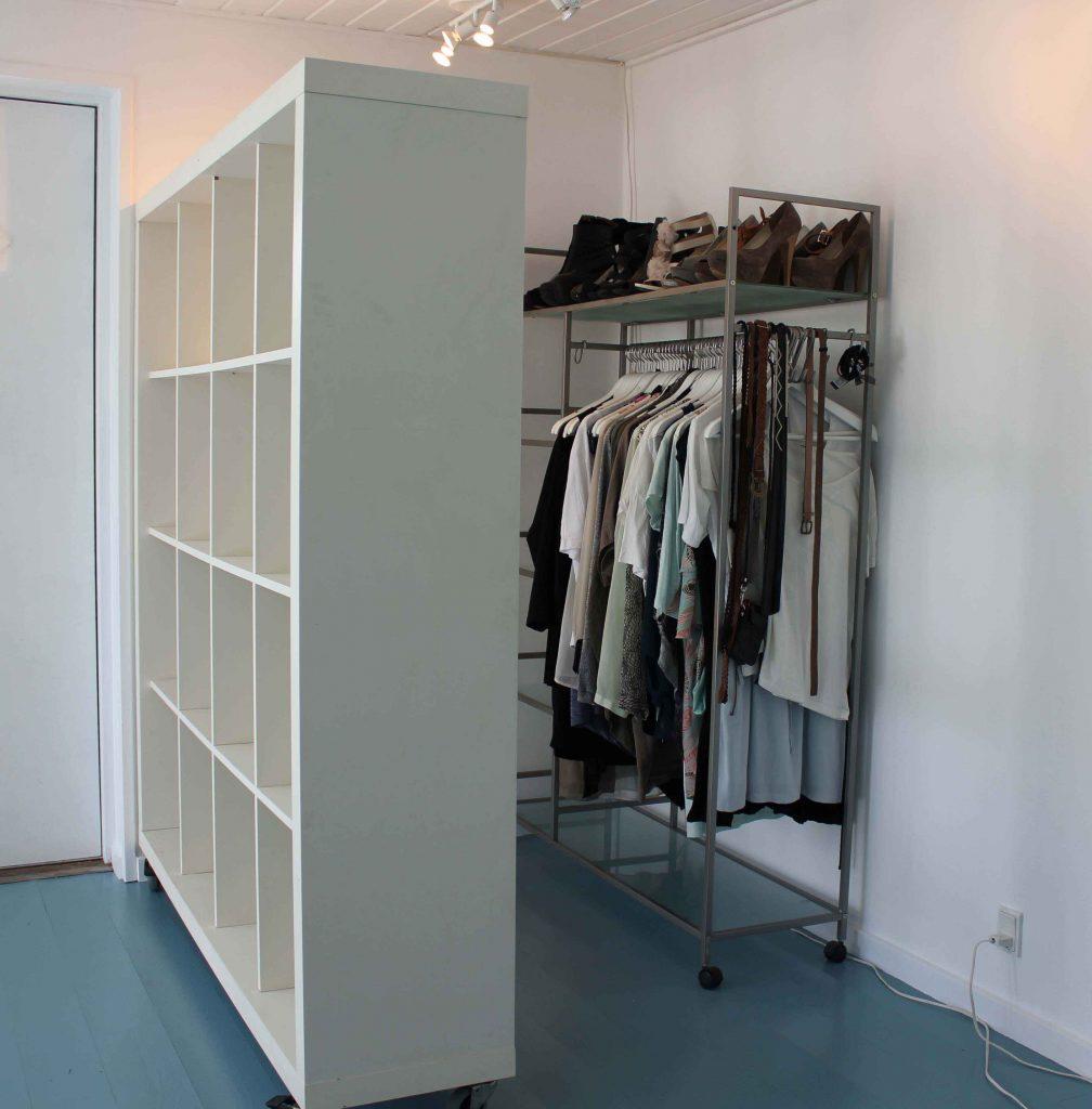 rumdeler som del af et walk in closet man selv kan lave
