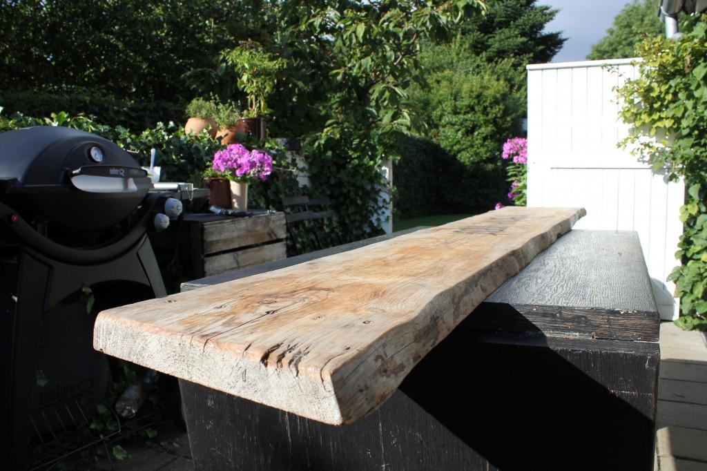 planke med barkkant