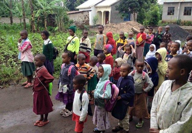 Indsamling til legeplads på Faraja Orphanage Tanzania Laura Dalbøge Amalie Lykke