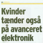 artikel i avis omkring kvinder og værktøj