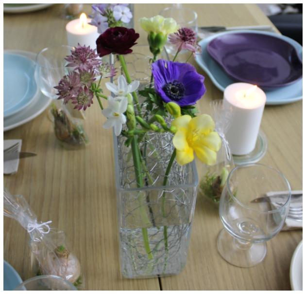 blomster-vaser-rekvisitter-til-kogebog-stylist