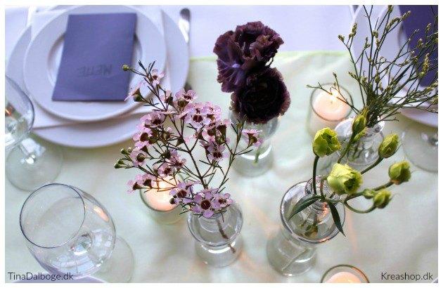 bordpynt med blomster og bordløber kreashop