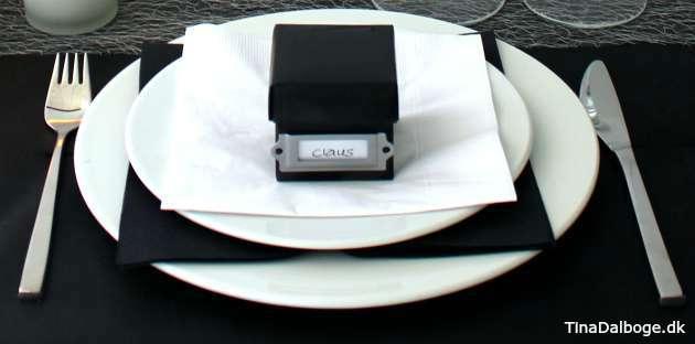 bordpynt og borddækning til mænd og dem der arbejder med tal revisor advokat bankmand