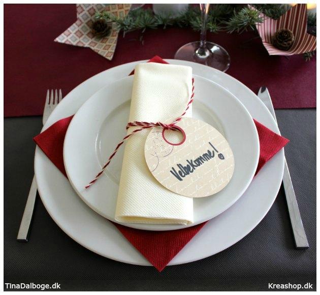 bordpynt-til-jul-med-servietter-bordloeber-dug-og-bordpynt-kreashop-tinadalboge