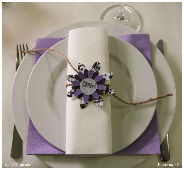 diy bordkort blomster udstanset af flot papir