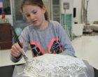 diy skål lavet af paverpol og dåseclips