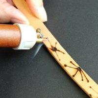 Brug elbrænder på træ og læder