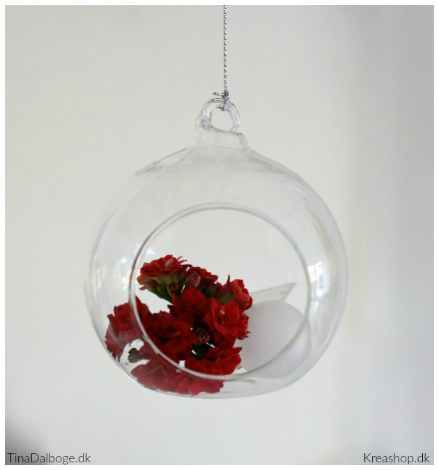 glasklokke-fra-kreashop-med-holdbare-queen-blomster