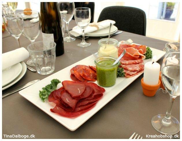 ide til fest forret af italienske specialiteter