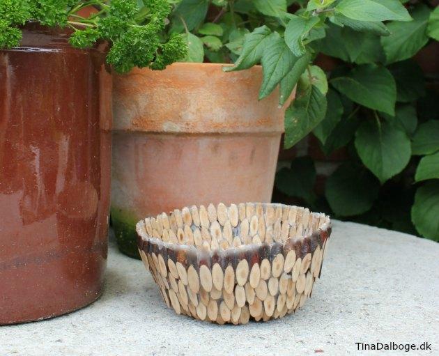 inspiration til en kreativ skål lavet ud af træmiks og paverpol lim som en hjemmelavet gave