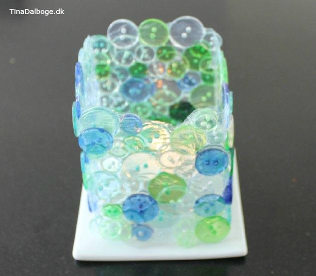 lysglas lavet af gennemsigtige knapper