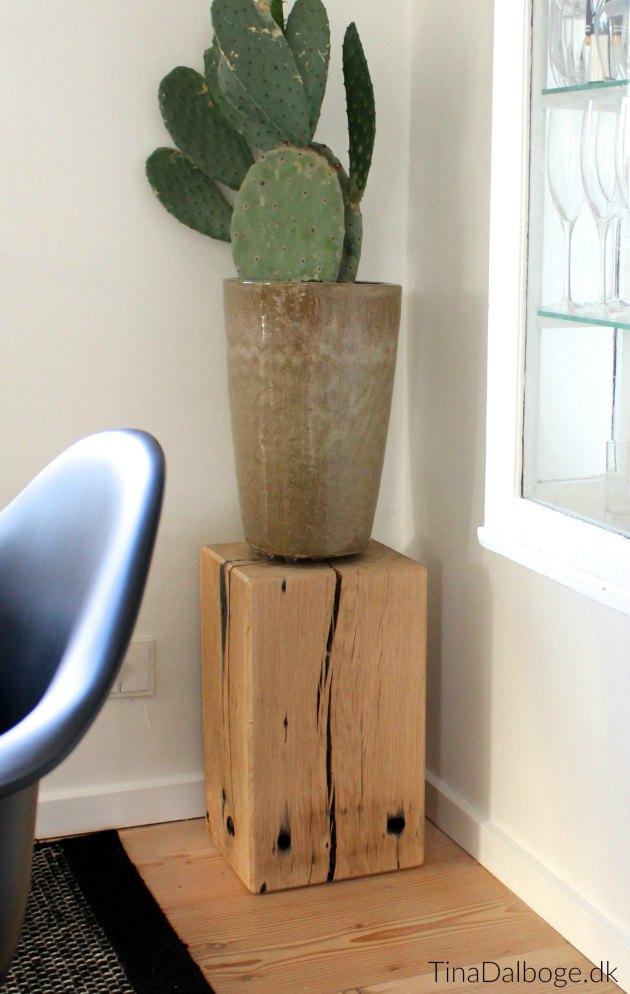 plantebord-eller-podie-af-bolvaerk-tina-dalboge