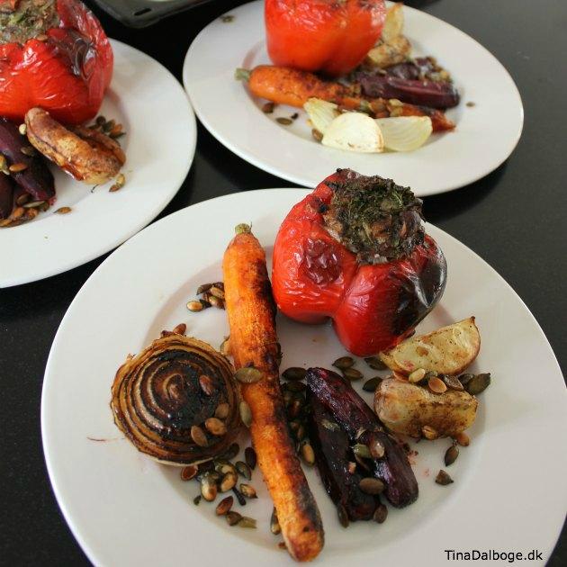 sådan kan du lave fyldte peberfrugter og grøntsager i ovnen