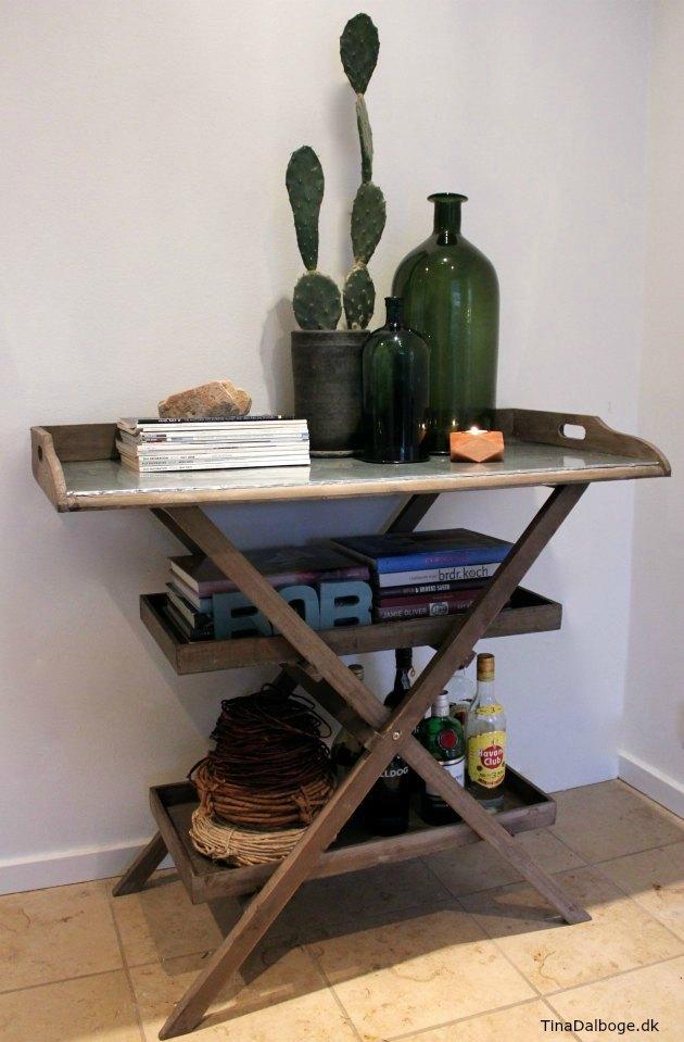 sammenklappeligt bakkebord der kan bruges som ekstrabord i boligen tina dalboge kreahobshop