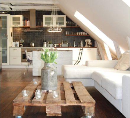 sofabord-af-palle-med-møbelhjul-under