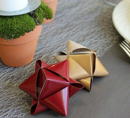 stjerner-flettet-pa-en-ny-made-og-brugt-til-bordpynt-til-julebordet-kreashop-featured-image