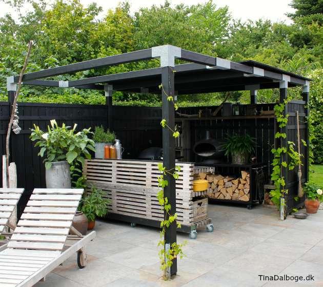 Update på min terrasse med udekøkken bygget op af traller ...