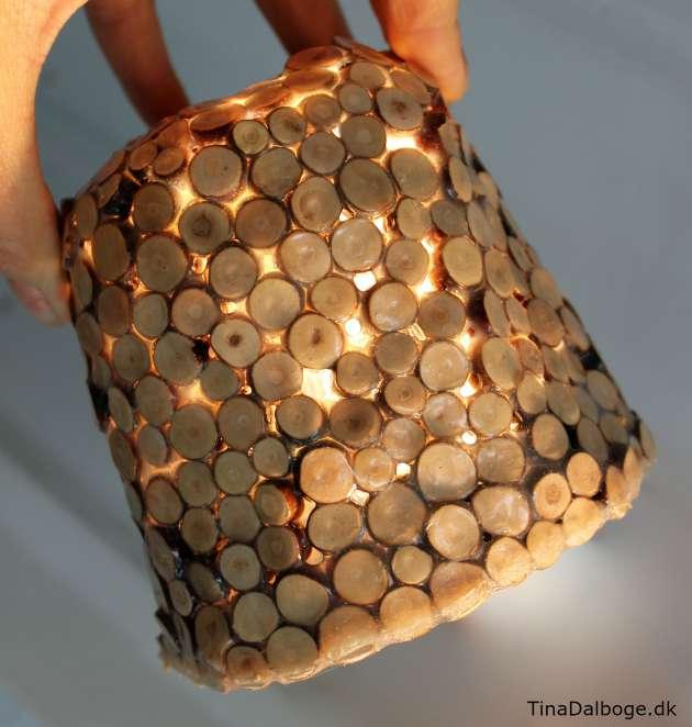 DIY lampeskærm lavet af paverpol og træmiks