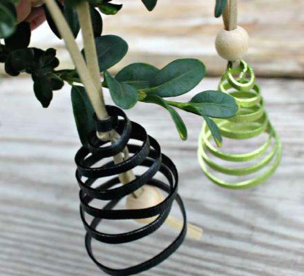 Pynt juletræet med julepynt af alutråd