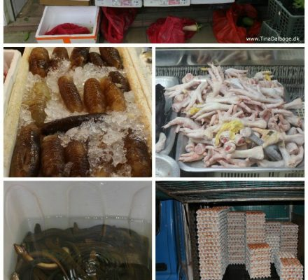 Det kinesiske marked med madvarer i Chinatown i Singapore