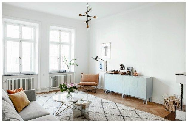 boligindretning stue få farver enkelt og hyggeligt