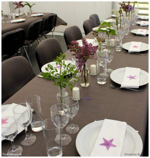 Fantastisk Borddækning og bordpynt med blomster fra haven og CW58
