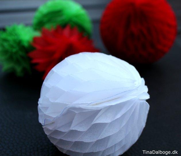 harmonikapapir-ornamenter-tina-dalboge-jul-og-farver