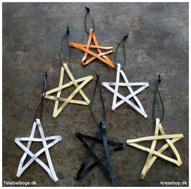 hjemmelavet-julestjerner-i-forskellige-farver-lavet-af-fladt-alutraad