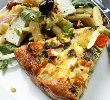 opskrift på en sund og lkker grøntsagstærte